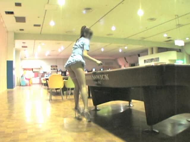【FC2】ノーパンでミニスカートでミニスカ彼女素人の調教個人撮影露出着...